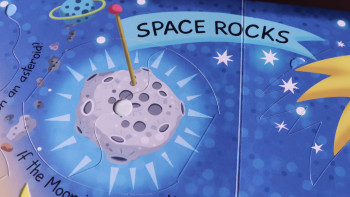 SPACE // My Big Book of Answers  -  The Most Fun, Fact-Filled Flap Book in the World !  Alistar Illustration & YOYO Books
